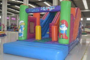 Colchoneta hinchable con tobogan para fiestas infantiles