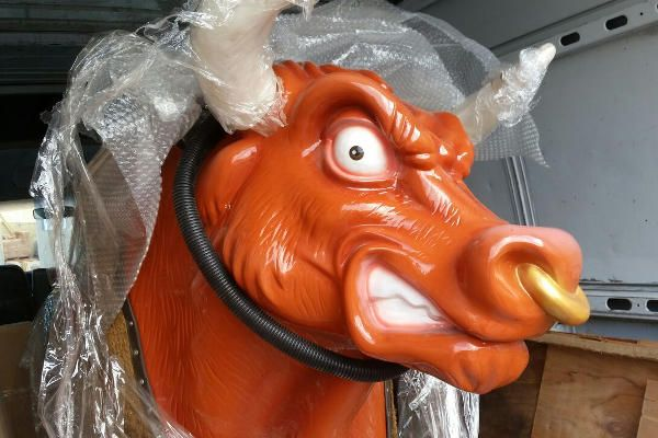 Alquilar toro mecanico para Fiestas Infantiles