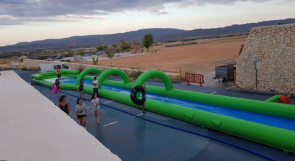 Vista del Monster slide, la atracción más divertida del verano