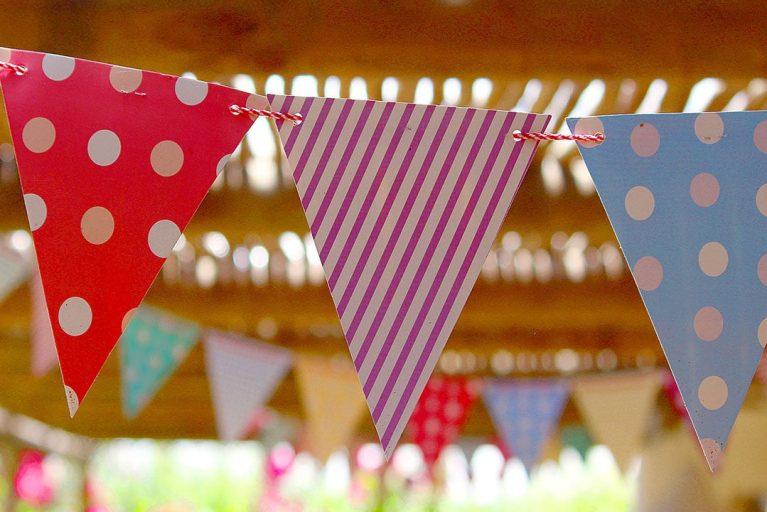 Banderines para decorar eventos, fiestas infantiles y cumpleaños.