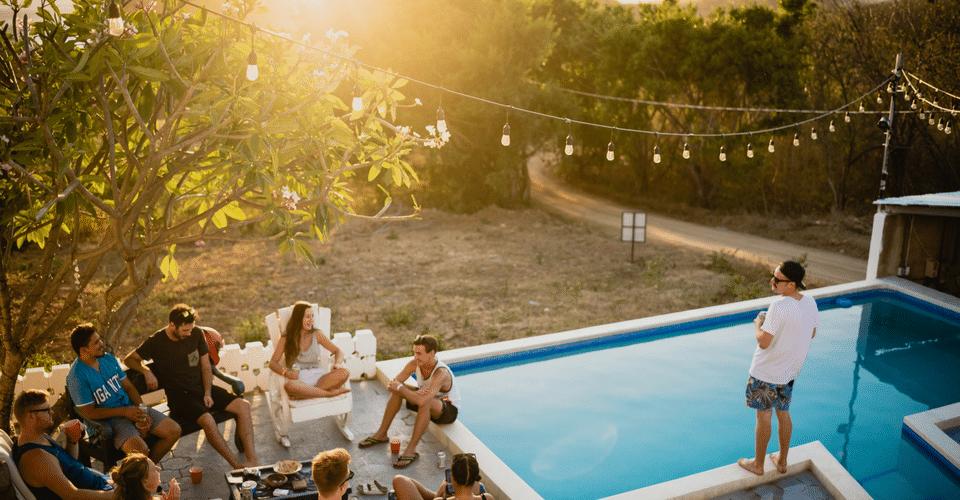 Una fiesta de verano no pueden triunfar sin música