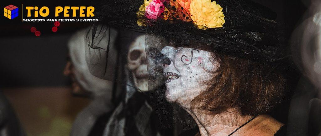 Disfraz de Halloween de bruja.