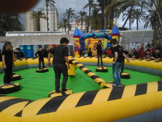 Alquiler juego wipeout eliminador barredora en Alicante y Murcia