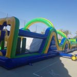 Alquiler tobogan hinchable en pista americana para fiestas adultos