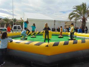 Atracción, prueba mecánica wipeout para fiestas en Alicante