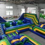 Prueba wipeout con grandes bolas, para fiestas y eventos