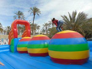 Guaypaut, juego hinchable bolas de salto en Alicante y Murcia