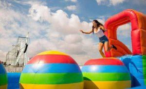 Castillo Hinchable Wipeout para fiestas y Eventos