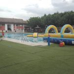 Alquiler colchoneta hinchable para piscina
